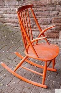 Illum Wikkelsø Schaukelstuhl selbst restaurieren Design-Klassiker